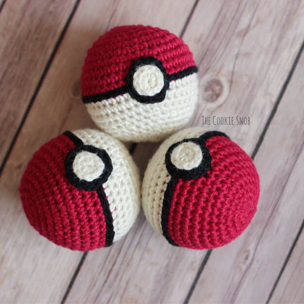 Pokeball Plushy Free Crochet Pattern